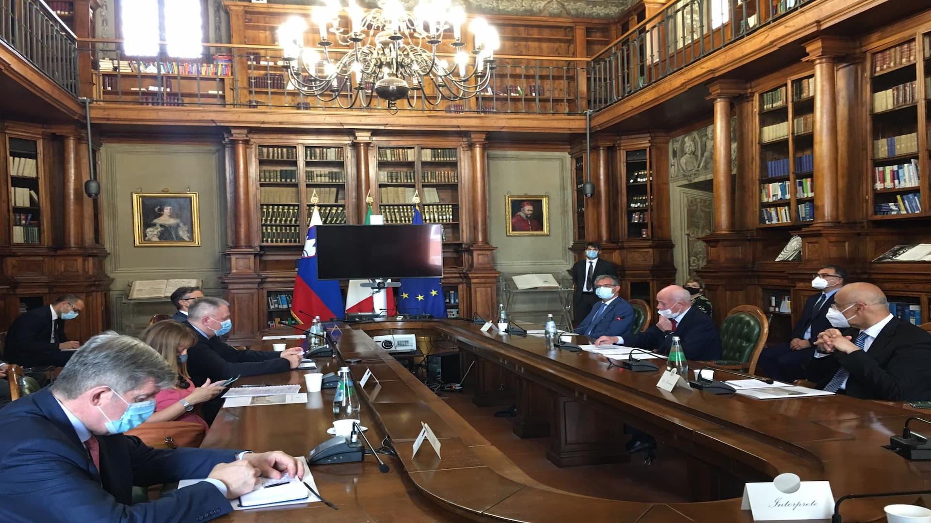 ASI - Siglata la lettera d'intenti tra Italia e Slovenia per una cooperazione in campo spaziale